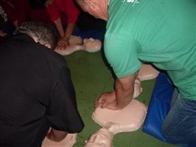 Milhares de pessoas receberam treinamento de primeiros socorros nesse domingo em Maringá