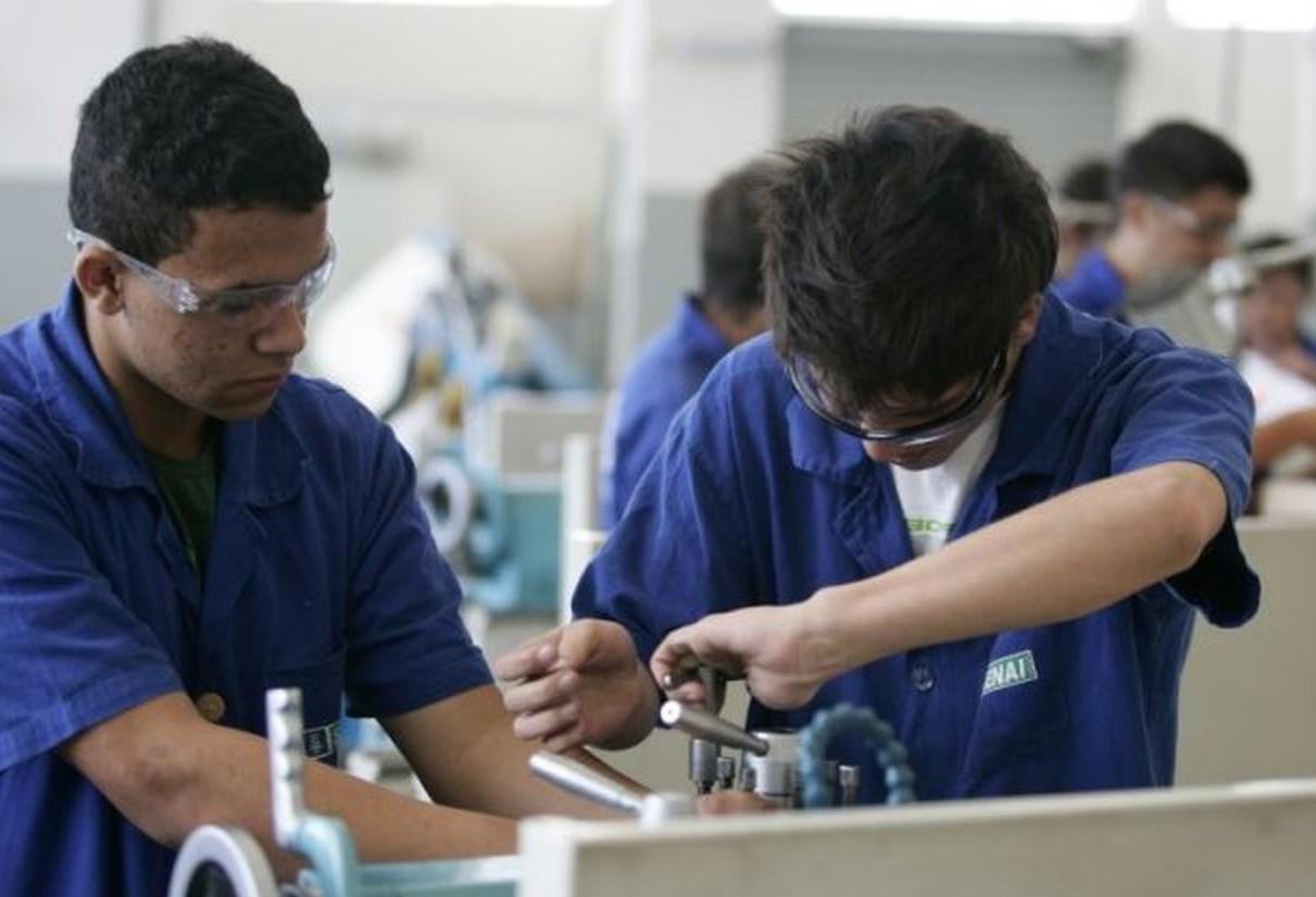 Ensino técnico possibilita que jovens entrem no mercado de trabalho em curto prazo