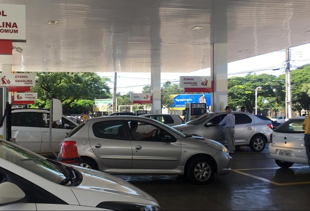 Postos baixam preços em Maringá
