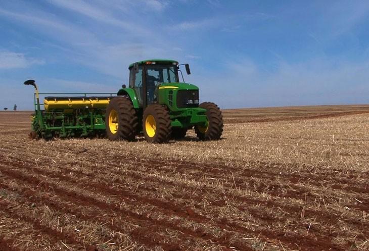 Chuva prejudica o plantio da soja