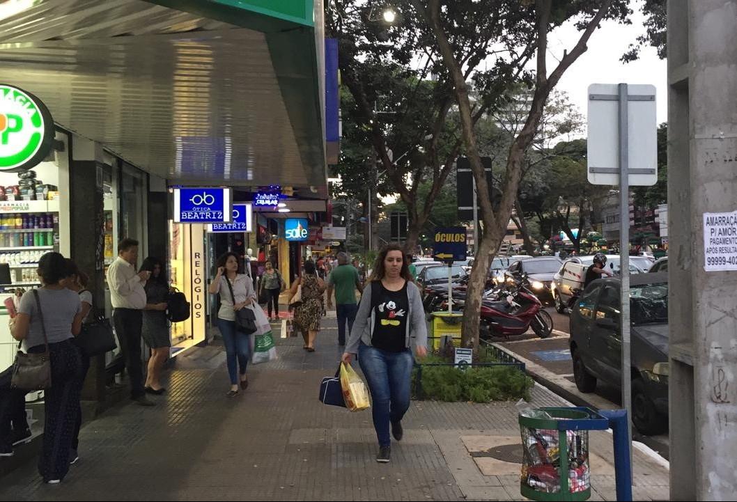 Dia das Mães deve movimentar R$ 45 mi em Maringá