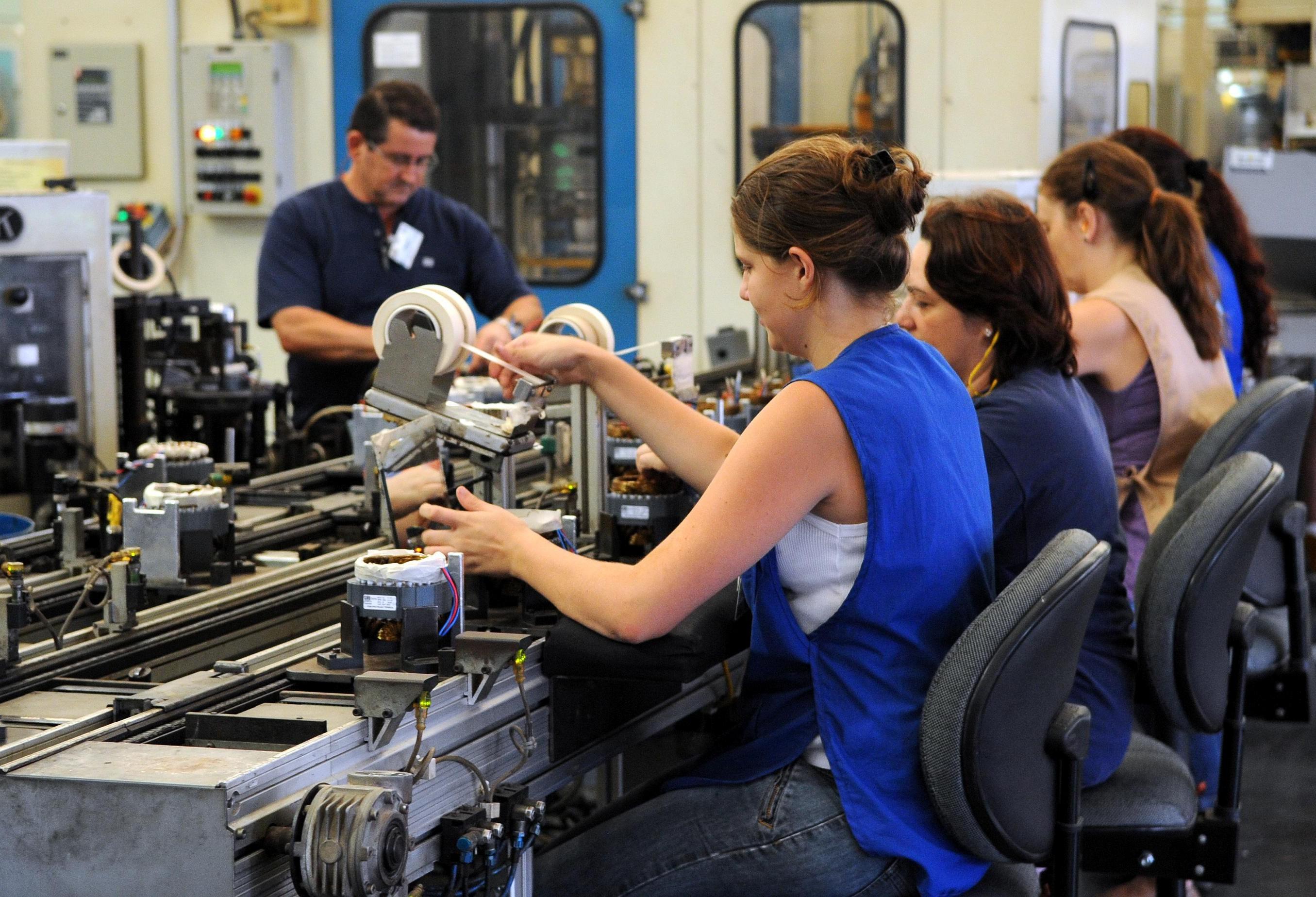 Setor de Serviço cresce 6,6% e se recupera do mês de maio