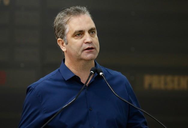 'Não vou assinar a nova tarifa enquanto não chegarem os novos ônibus', diz Ulisses Maia