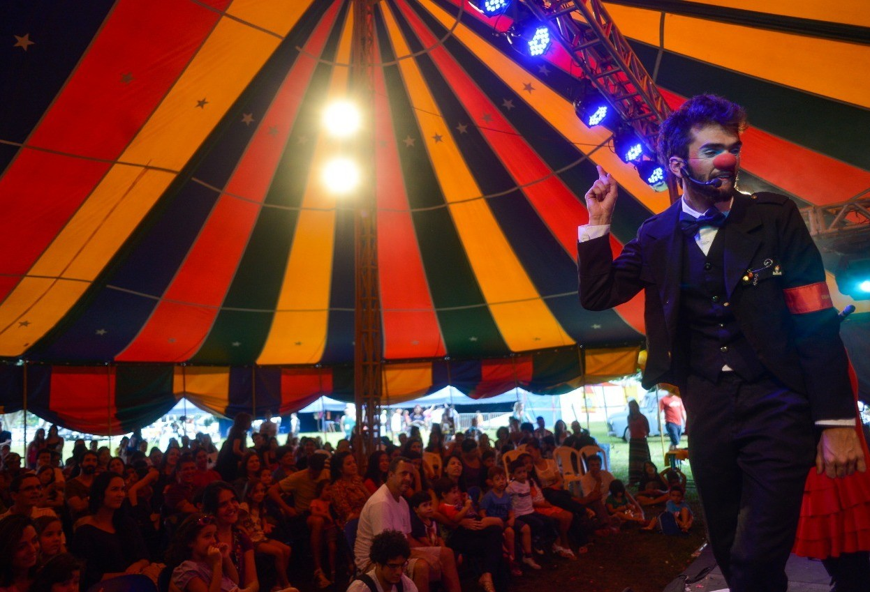 Maringá terá curso gratuito de teatro circense
