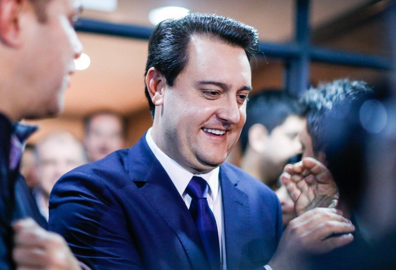 Ratinho Júnior tem 2.600.306 votos (60,10%); Cida Borghetti (PP), 670.349 (15,49%)