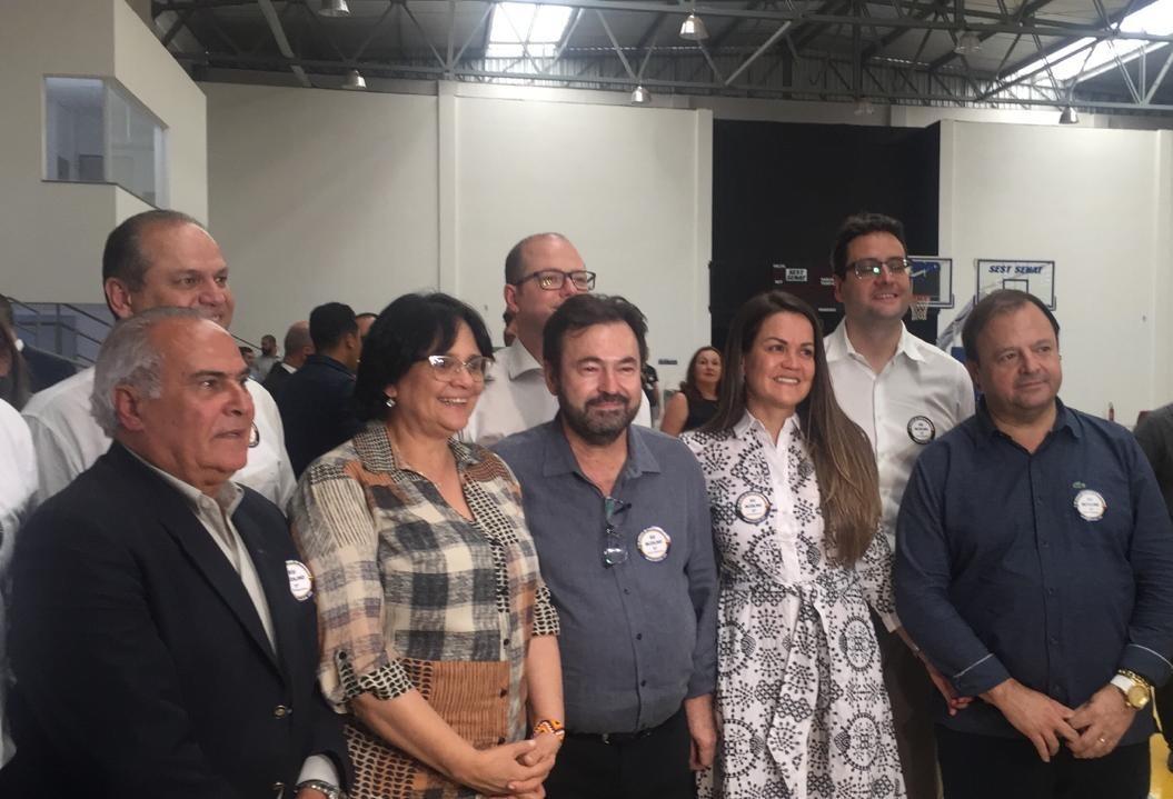Ministra Damares Alves acompanha chegada de familiares venezuelanos