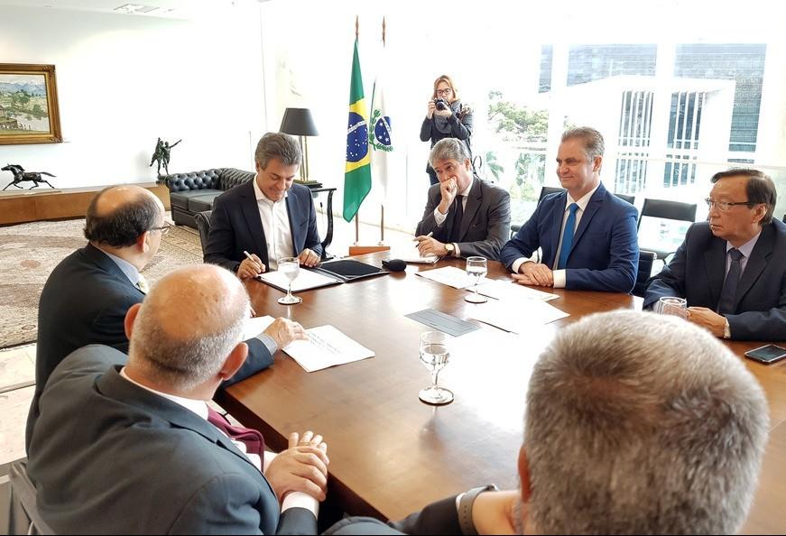 Políticos e empresários vão a Curitiba para defender a sobrevivência do Porto Seco de Maringá