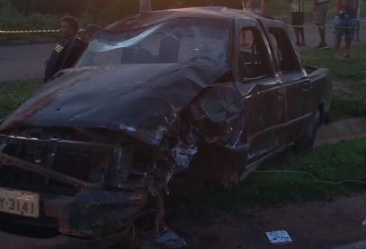 Carro capota e seis pessoas são ejetadas; nenhuma usava cinto