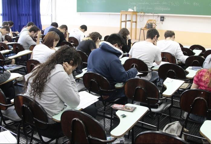 Escolas ofertam cursos para concurso da prefeitura de Maringá