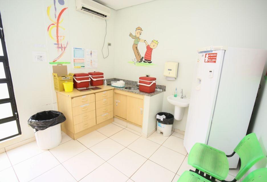 Sala de vacinas muda provisoriamente o horário de atendimento