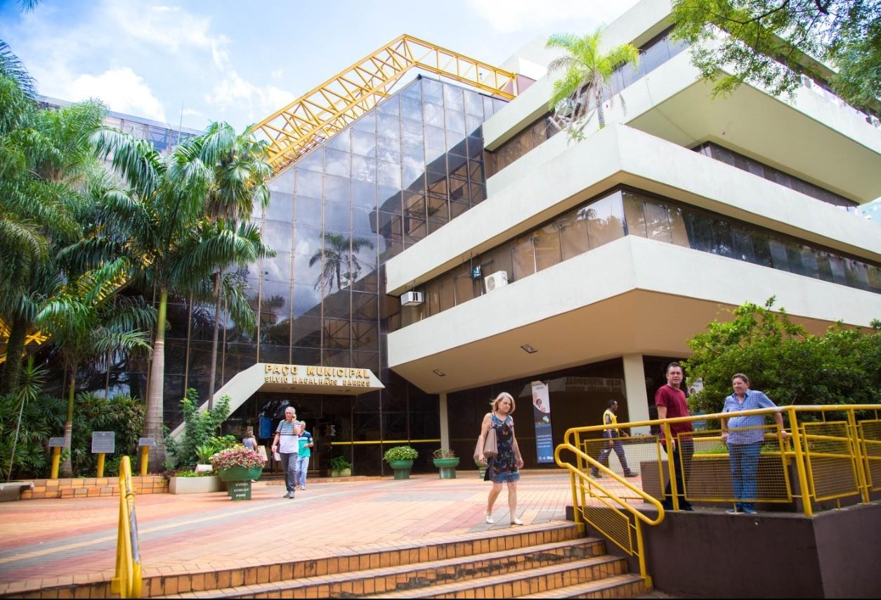 55 vagas devem ser abertas em novo concurso da Prefeitura de Maringá