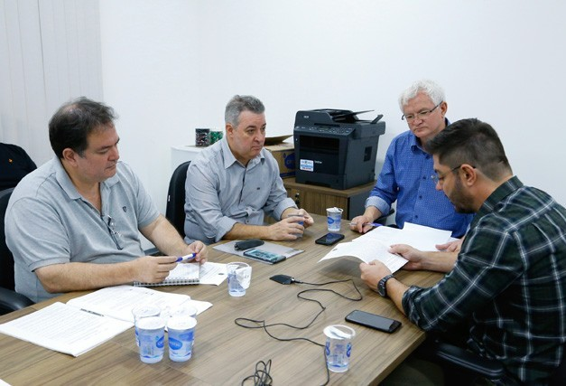 Vereadores estudam leis relativas ao Conselho Tutelar em Maringá