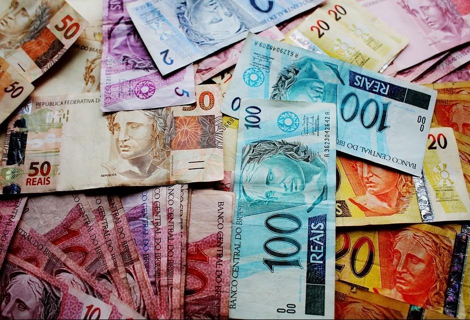 Economia paranaense cresce mais em comparação com a do Brasil