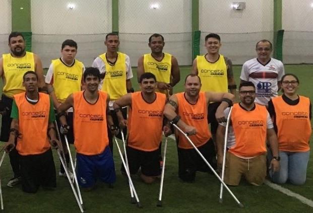 Atletas participam de competição nacional de futebol para amputados