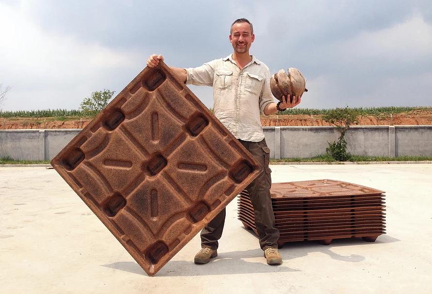 Paletes feito de coco economizam 200 milhões de árvores