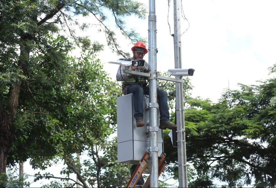 Radares de velocidade começam a funcionar em Maringá