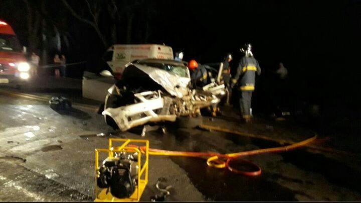 Acidente na PR-323 deixa dois mortos