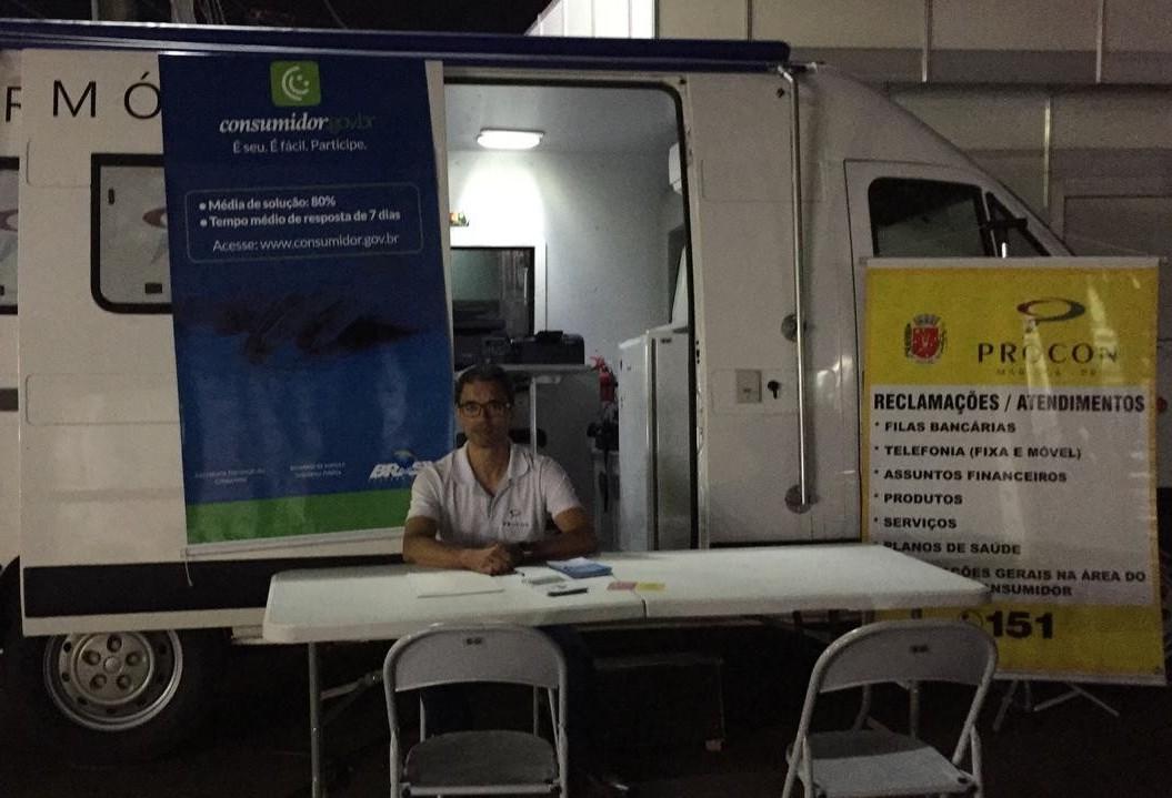 Unidade móvel do Procon estaciona na Expoingá