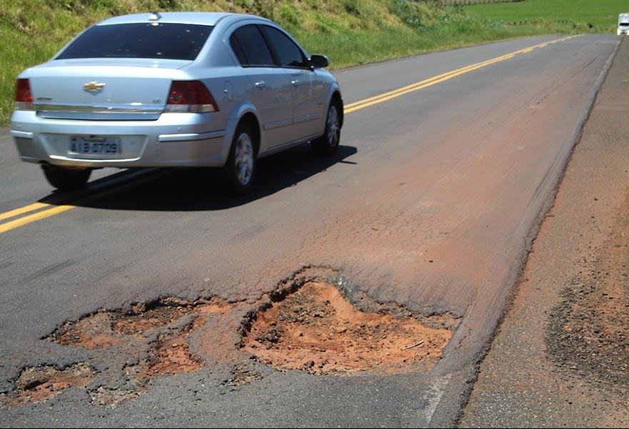 DER reconhece que estradas da região estão sem conservação