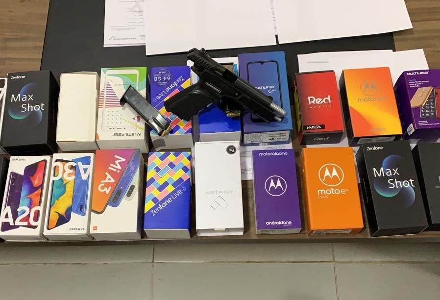 Homem é preso com pistola 9 mm e 24 celulares roubados em Sarandi