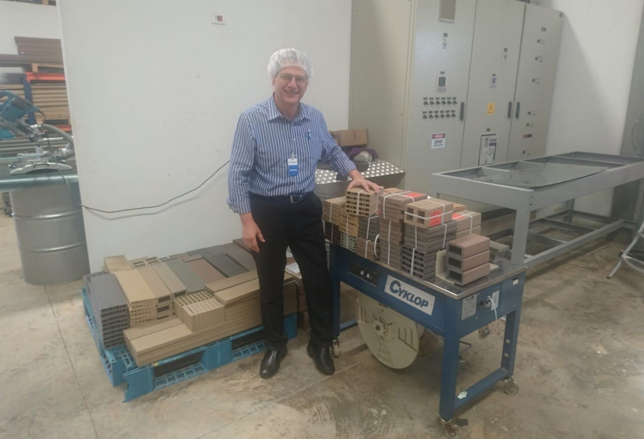 Empresa desenvolve madeira biossintética a partir dos próprios resíduos