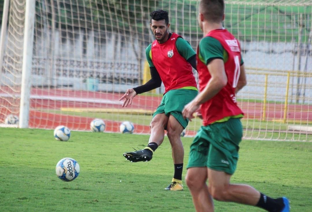 Maringá FC encara 'segunda final' contra Joinville