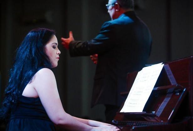 Duo de voz e piano apresenta canto lírico em Maringá