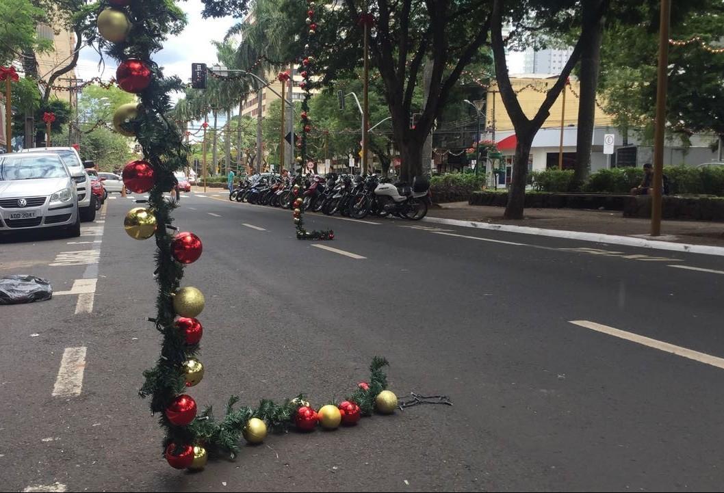 Após incidentes, decoração de Natal da Avenida Getúlio Vargas será elevada