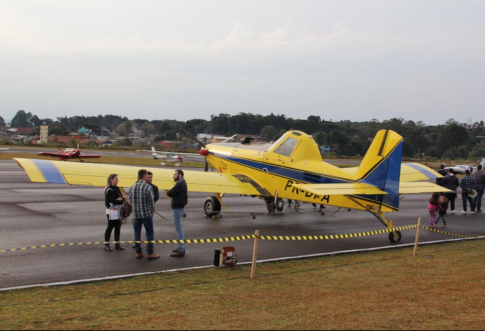 Maringá sedia evento de aviação agrícola