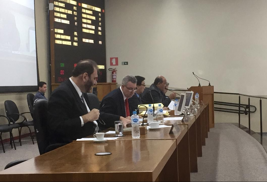 Orçamento de Maringá é retirado de pauta e terá que ser votado em sessões extraordinárias