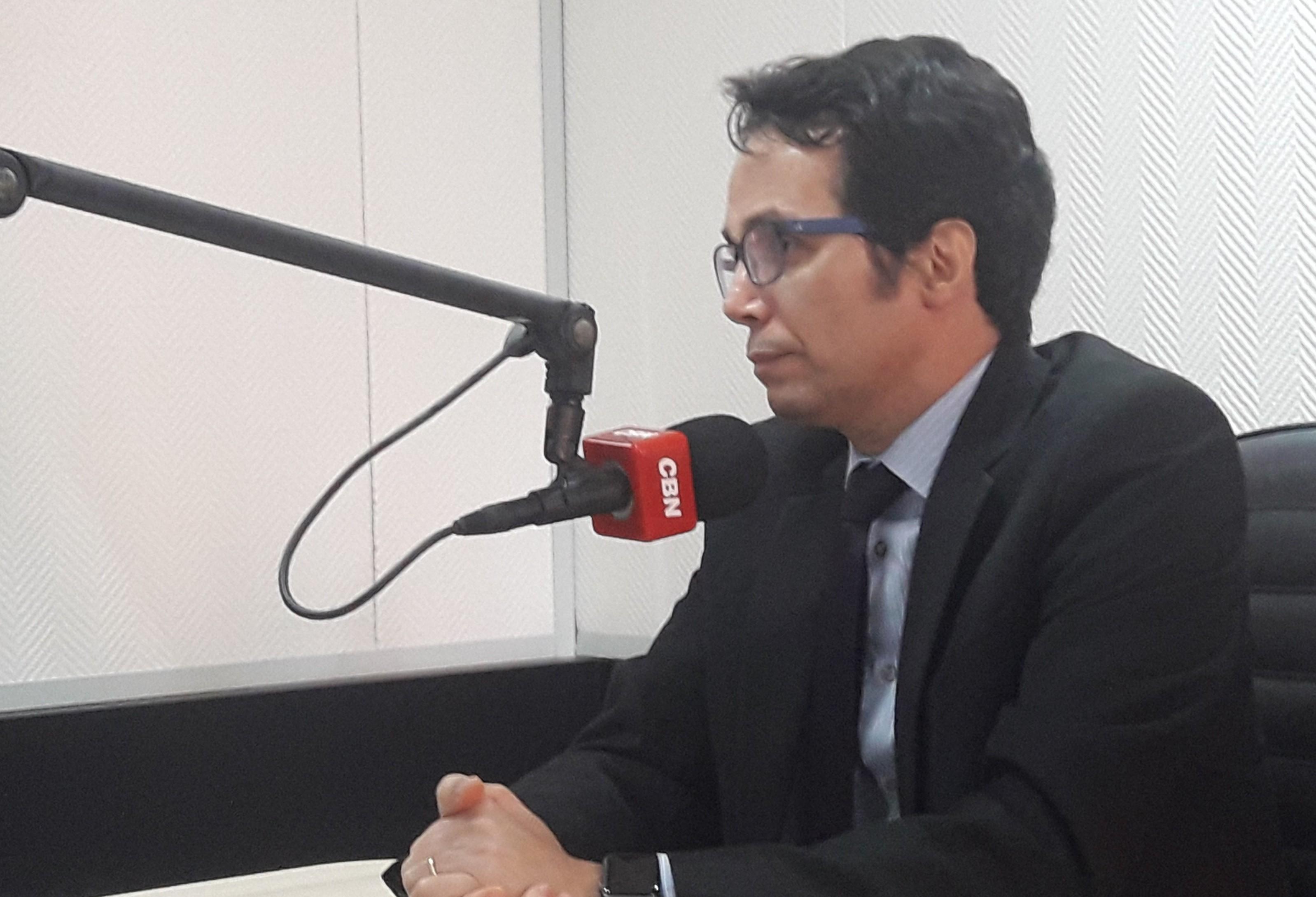 Brasil tem metade dos advogados do mundo porque tudo vai parar no Judiciário