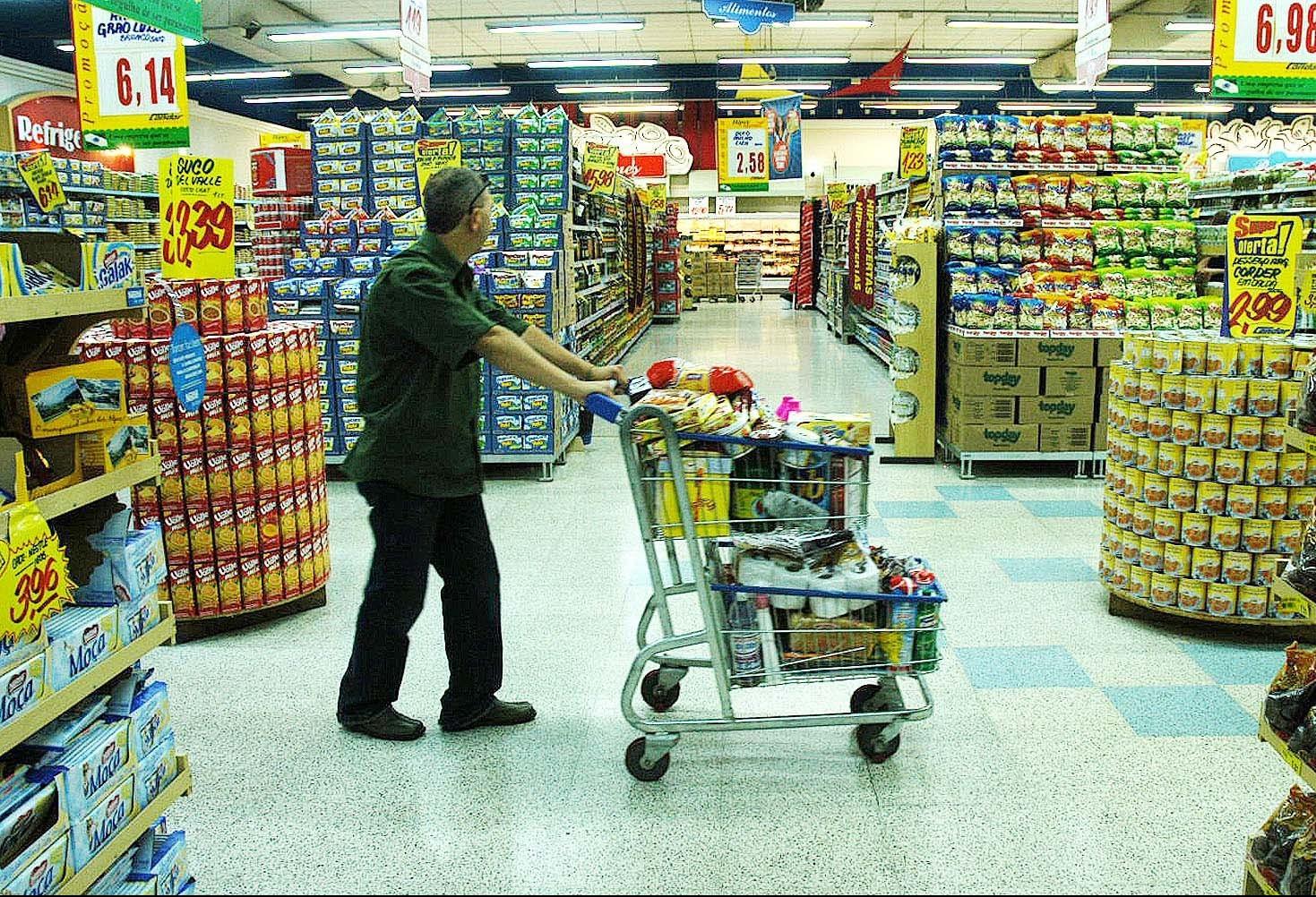 Mais um supermercado consegue liminar para abrir aos domingos