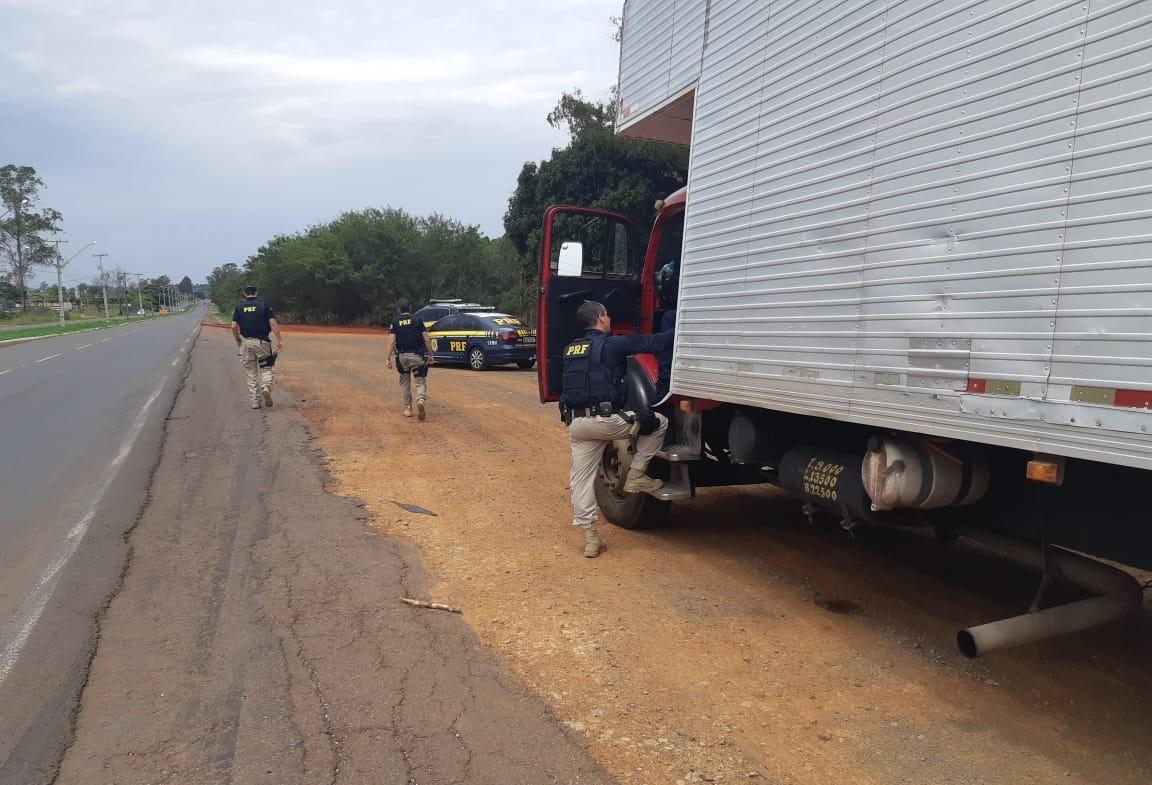 Caminhão com quase 500 mil maços de cigarros é apreendido em Astorga