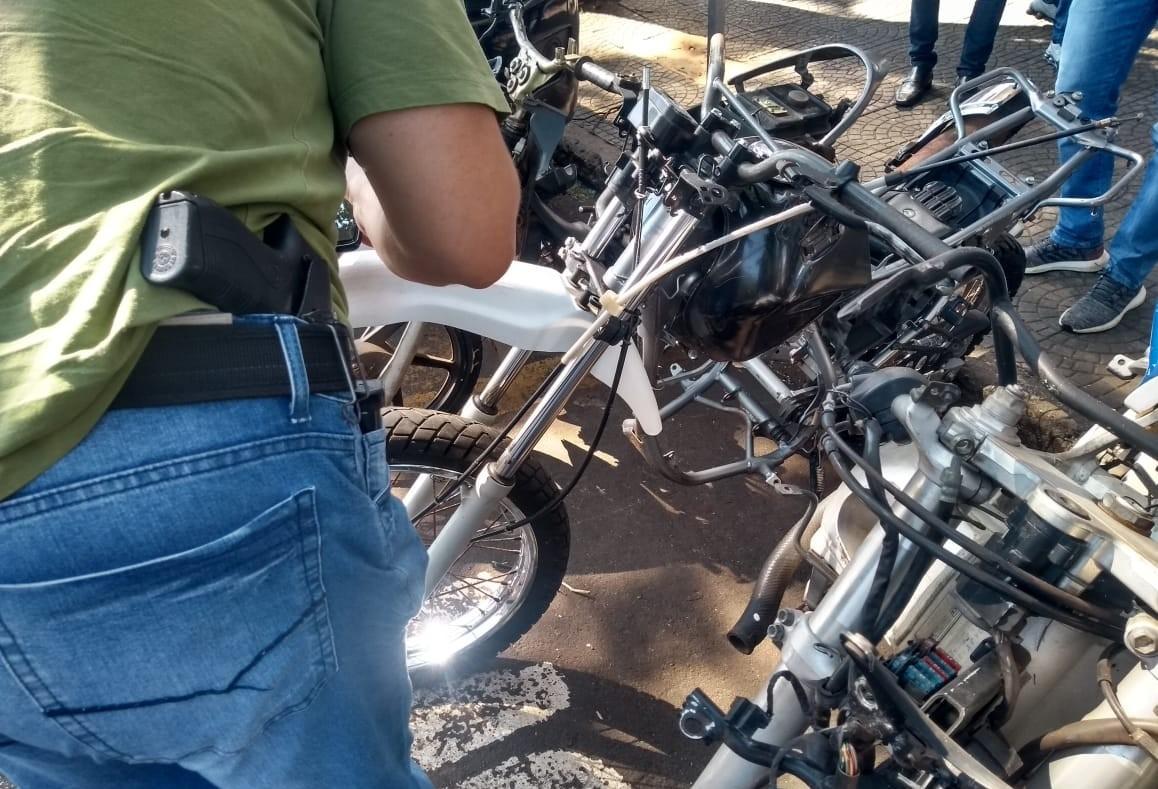 Polícia Civil vistoria lojas e oficinas de motos na Avenida Morangueira
