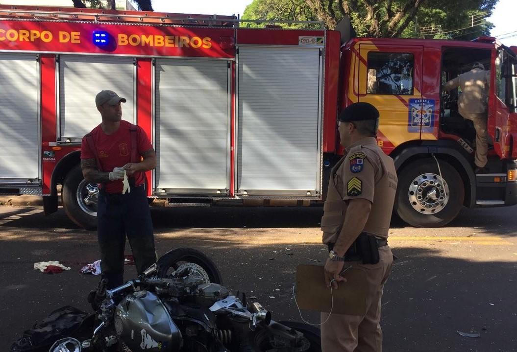 Motociclista fica ferido em acidente na Avenida Castro Alves