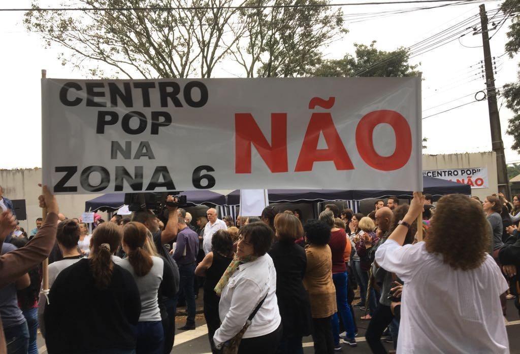 Moradores protestam contra instalação do Centro POP