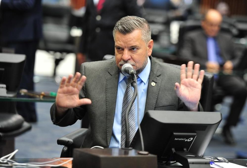 Deputado critica lei de abuso de autoridade na tribuna da Câmara