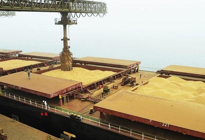 Brasil exportou volume recorde de soja em grãos em 2018