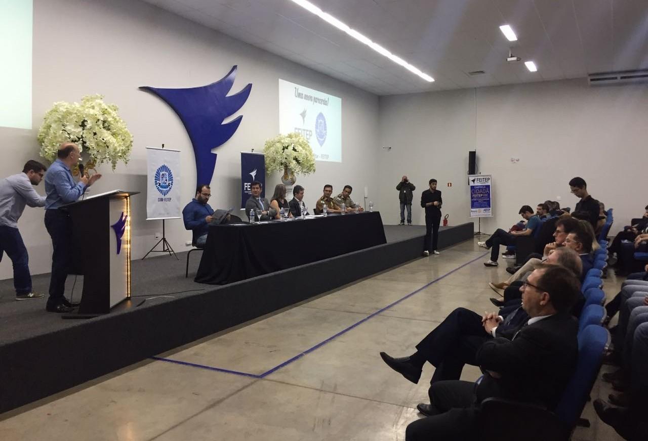 Vila Militar oficializa colégio em Maringá
