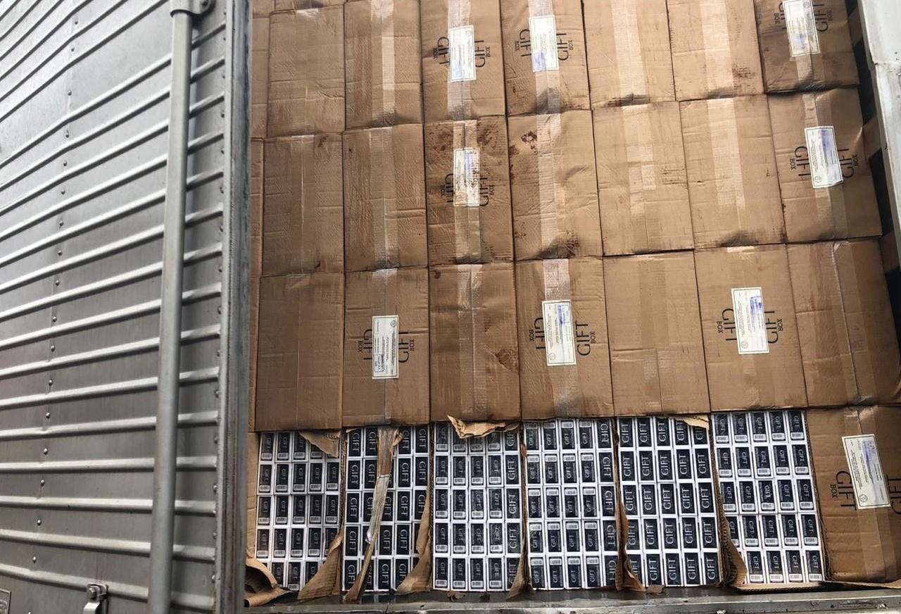 1.400 caixas de cigarros são apreendidas em Paiçandu
