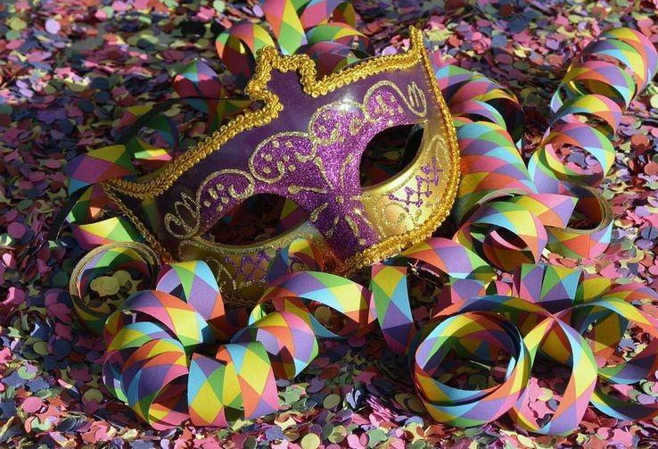 Apesar do cancelamento em Maringá, carnaval segue nos distritos