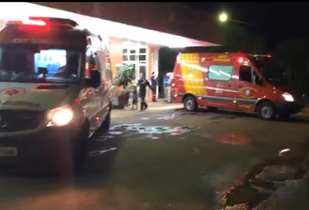 Quatro ambulâncias são impedidas de deixar e retirar pacientes do HU