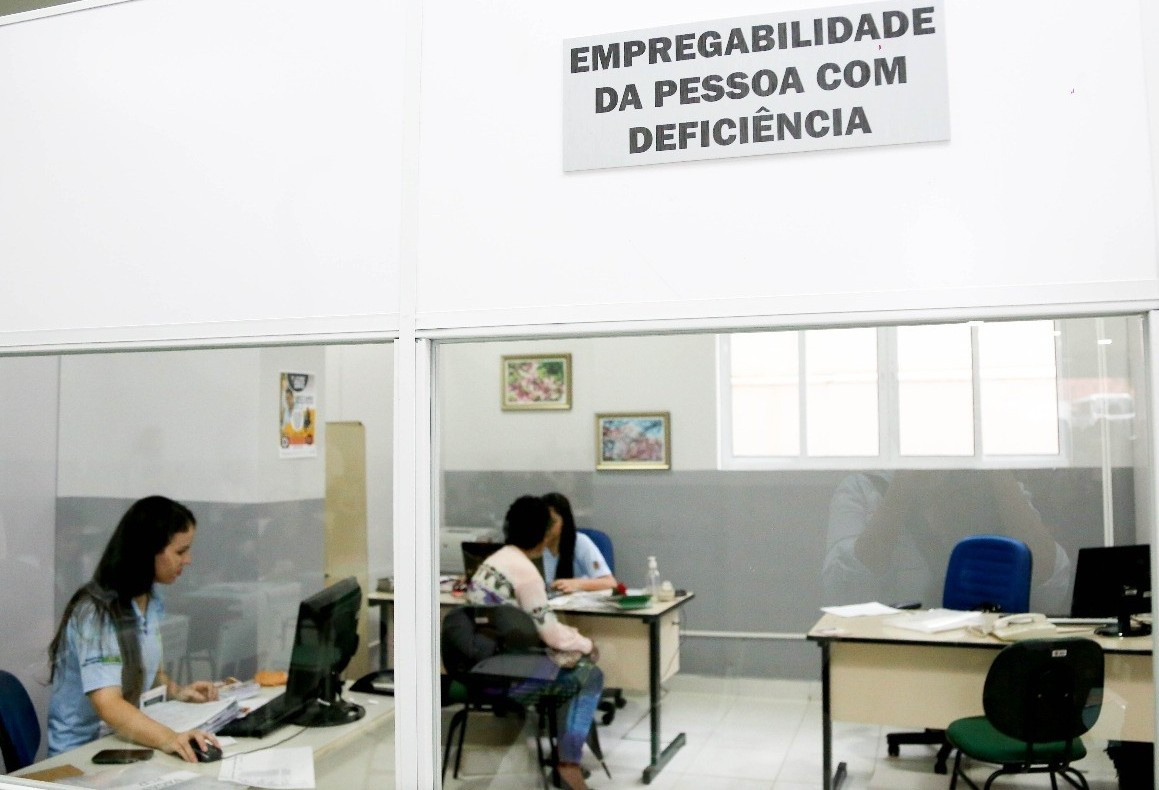 Inclusão de deficientes no mercado de trabalho aumenta 7%