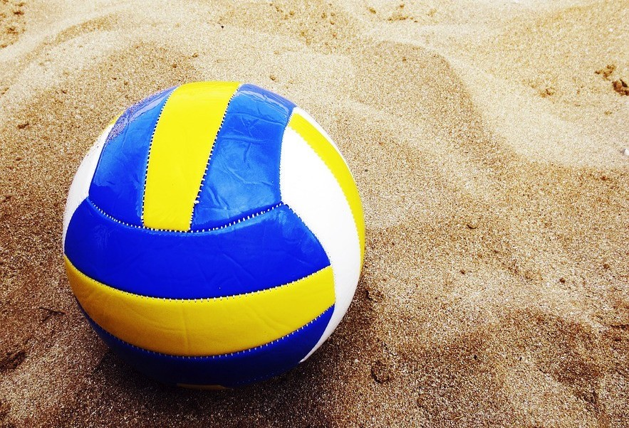Vôlei e futebol maringaense têm jogos neste fim de semana
