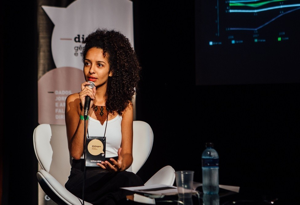 """""""País que se baseou em regime escravista por quase 400 anos não sai democrático"""", diz Natália Neris"""