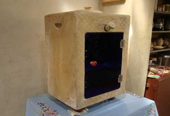 Geladeira sustentável dispensa eletricidade para funcionar