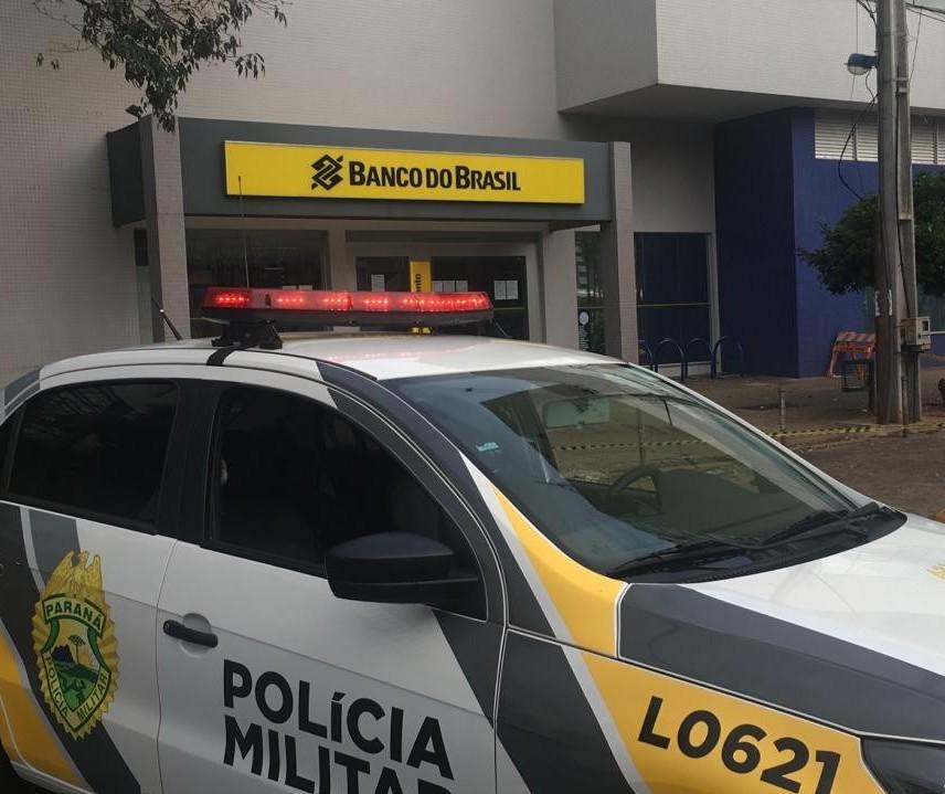 Suspeita de bomba: polícia isola agência bancária no centro de Maringá