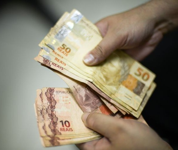 Em Maringá, dupla é presa suspeita de aplicar golpes em lotéricas