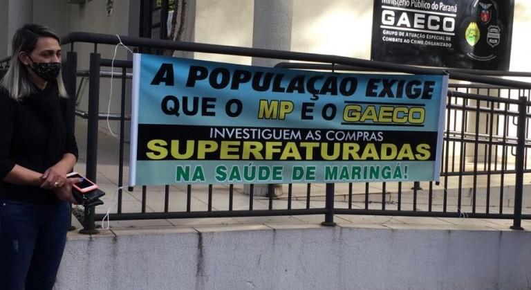 Grupo realiza ato criticando CPI da Saúde em Maringá