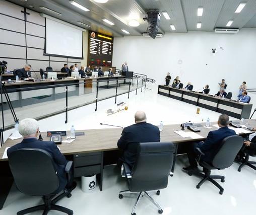 Sessões da Câmara de Maringá serão mais curtas